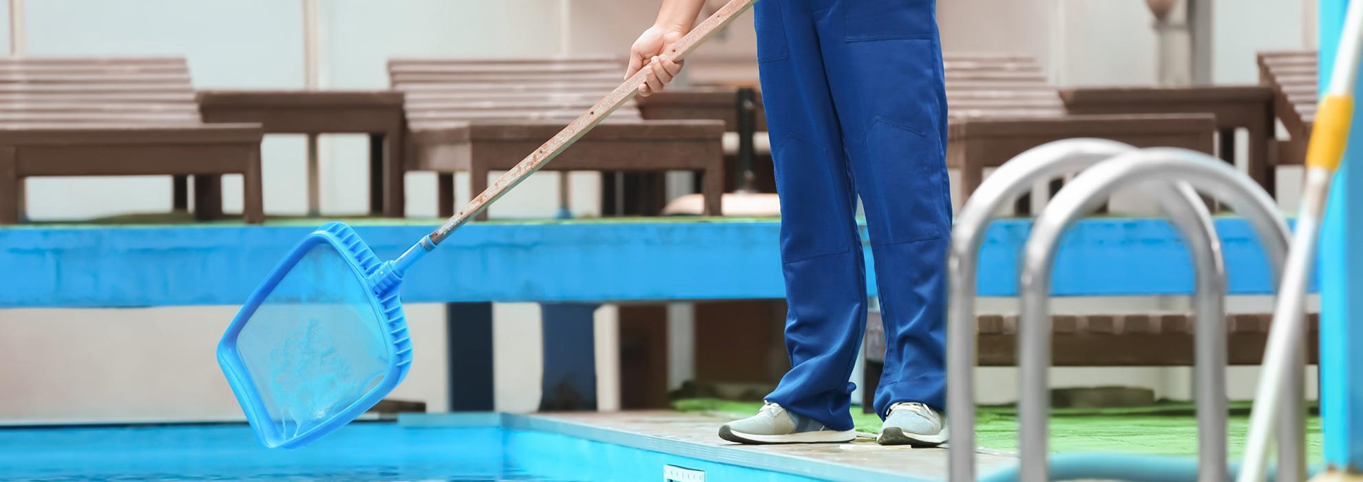 توفير خدمات نظافة وصيانة دورية شاملة في حوض السباحة لديكم لكي تنعموا بقضاء وقت ممتع في السباحة والحصول على المزايا الصحية المرجوة